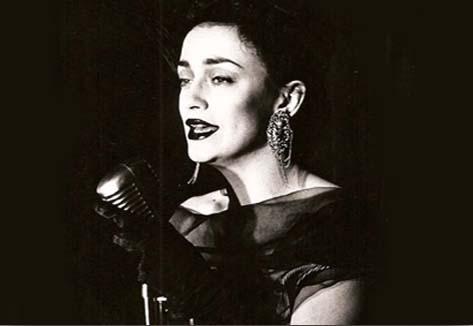 """""""Carmen Lanuit"""" es Carmen París."""