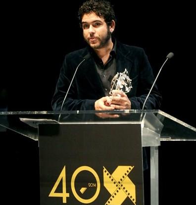 Macipe recogiendo el Premio en el Festival de Cine de Huelva